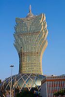 Chine, Macao, Vue de la ville avec le Grand Lisboa hotel et le casino // China, Macau, City Skyline with Grand Lisboa Hotel and Casino