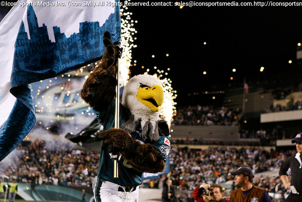 """15 Dec 2008: Philadelphia Eagles mascot """"Swoop"""" enters the field before the game against the Cleveland Browns on December 15th, 2008. The Eagles won 30-10 at Lincoln Financial Field in Philadelphia, Pennsylvania"""