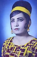 Pakistan - Hijra, les demi-femmes du Pakistan -  Photo jeune de  Chandni Mehwish //Pakistan. Punjab province. Hijra, the half woman of Pakistan