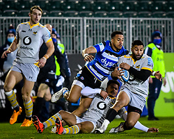 Anthony Watson of Bath Rugby attempts a tackle on Lima Sopoaga of Wasps - Mandatory by-line: Andy Watts/JMP - 08/01/2021 - RUGBY - Recreation Ground - Bath, England - Bath Rugby v Wasps - Gallagher Premiership Rugby