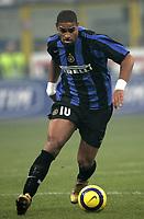 Milano 28-11-04<br /> <br /> Campionato di calcio Serie A 2004-05<br /> <br /> Inter Juventus<br /> <br /> nella  foto Adriano Inter<br /> <br /> Foto Snapshot / Graffiti