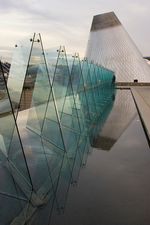 """Reflecting pool outside Museum of Glass, """"Hot Shop"""" cone in distance, Tacoma, Washington, USA"""