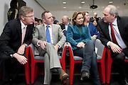 Van links naar rechts: Eerste Kamer lijsttrekkers Loek Hermans (VVD) en Machiel de Graaf (PVV) en Tweede Kamer lijsttrekkers Marianne Thieme (PvdD) en Job Cohen (PvdA) bij aanvang van het eerste verkiezingsdebat. Bij de NOS wordt het eerste lijsttrekkersdebat gehouden voor de Provinciale Statenverkiezing. Behalve de SGP en de Christen Unie had iedere partij een lijsttrekker uit de Eerste of Tweede Kamer afgevaardigd.<br /> <br /> Loek Hermans (liberal Party VVD), Machiel de Graaf (conservative party PVV), Marianne Thieme (animal party PvdD) and Job Cohen (labour party PvdA) are talking to each others, minutes before a debate on the radio begins.