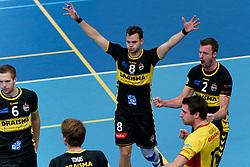 26-10-2019 NED: Talentteam Papendal - Draisma Dynamo, Ede<br /> Round 4 of Eredivisie volleyball - Freek de Weijer #8 of Dynamo, Jeroen Rauwerink #2 of Dynamo