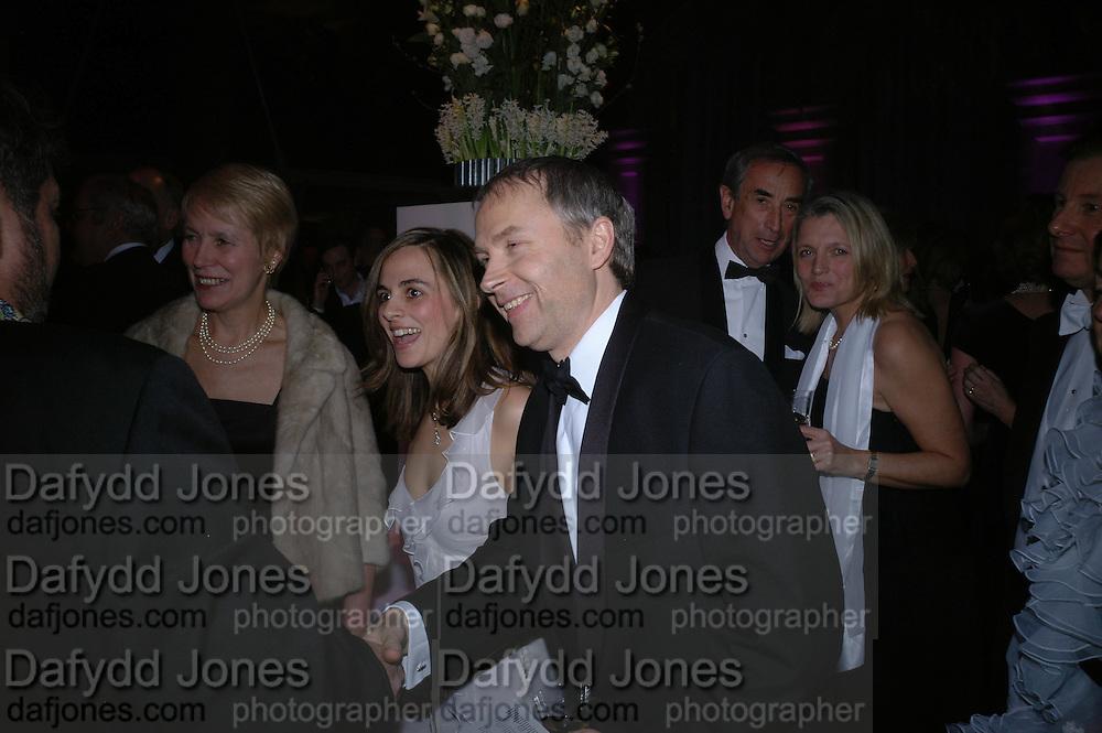 Luke and Lisa Johnson. The Black and White Winter Ball. Old Billingsgate. London. 8 February 2006. -DO NOT ARCHIVE-© Copyright Photograph by Dafydd Jones 66 Stockwell Park Rd. London SW9 0DA Tel 020 7733 0108 www.dafjones.com