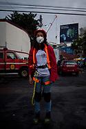 Maria del Pilar, volontaria del corpo dei vigili del fuoco.