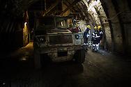 L'automezzo che trasporta i minatori della galleria