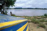 Embarcación a orillas del río Orinoco, Amazonas, Venezuela.