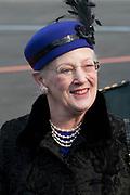 Staatsbezoek Denemarken - Dag 1. Aankomst van het Koninklijk gezelschap op vliegveld Kastrup<br /> <br /> State visit Denmark - Day 1. Arrival of the Royal Family at Kastrup airport<br /> <br /> op de foto / On the photo:  Koningin Margrethe / Queen  Margrethe