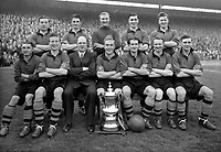 Fotball<br /> Foto: Colorsport/Digitalsport<br /> NORWAY ONLY<br /> <br /> Wolverhampton Wanderers FA Cup Winning team. 1949. Back Row (L>R) Billy Crook, Roy Pritchard, Burt Williams, Bill Shorthouse, Terry Springthorpe. Front Row (L>R) Johnny Hancocks, Sammy Smyth, Stan Cullis (Manager), Billy Wright, Jesse Pye, Jimmy Dunn and Jimmy Mullen