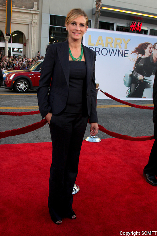 """6/27/2011 Julia Roberts at the premiere of """"Larry Crowne"""" at the Chinese Theater"""