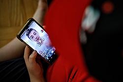 THEMENBILD - Abbildung zeigt Illustration für TikTok App. Der andauernde Kampf von Präsident Donald Trump mit TikTok wird zu einem der kuriosesten Kapitel in Amerikas aufkommendem Kalten Krieg mit China. Trump erließ eine Durchführungsverordnung, die dem chinesischen Social-Media-Giganten ByteDance bis Mitte September Zeit gab, einen amerikanischen Käufer zu finden oder im Land verboten zu werden. Eine ähnliche Verfügung erließ er auch für den chinesischen Nachrichtendienst WeChat, aufgenommen am 27.08.2020 in Zagreb, Kroatien // Picture shows illustration for TikTok App. President Donald Trump's ongoing battle with TikTok is becoming one of the most curious chapters in America's emerging cold war with China. Trump issued an executive order which gave the Chinese social media giant ByteDance until the middle of September to find an American buyer or be banned in the country. He also issued a similar executive order for the Chinese messaging service WeChat, pictured on 2020/08/27 in Zagreb, Croatia. EXPA Pictures © 2020, PhotoCredit: EXPA/ Pixsell/ Davor Puklavec<br /> <br /> *****ATTENTION - for AUT, SLO, SUI, SWE, ITA, FRA only*****