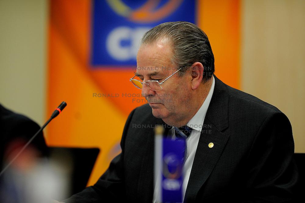 30-01-2010 VOLLEYBAL: CEV MEETING: DEN HAAG<br /> Vergadering van de CEV board in het Mercure hotel / Andre Meyer <br /> ©2010-WWW.FOTOHOOGENDOORN.NL