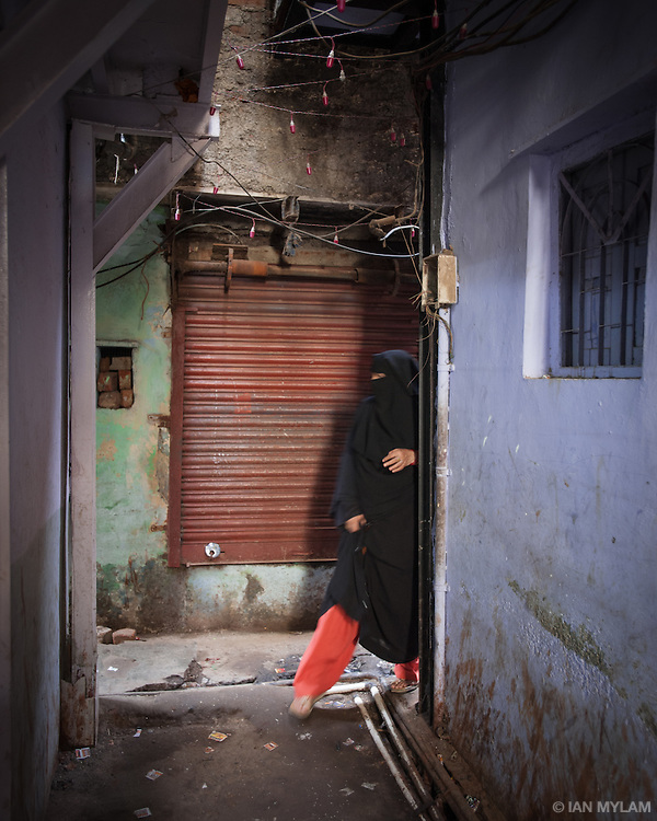 Woman in Abaya - Dharavi, Mumbai, India