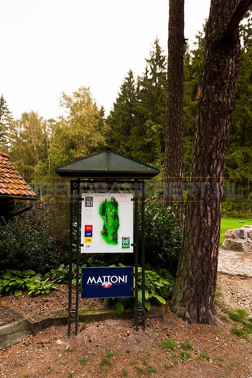 21-09-2015: Golf Resort Karlovy Vary in Karlovy Vary (Karlsbad), Tsjechië.<br /> Foto: Holebord hole 10