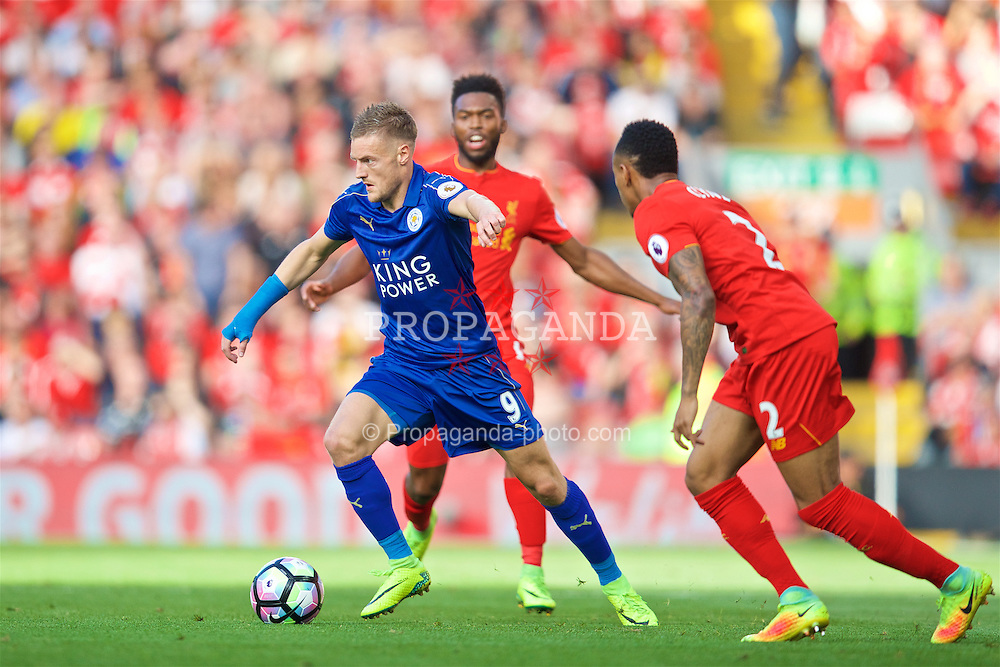 LIVERPOOL, ENGLAND - Saturday, September 10, 2016: Leicester City's Jamie Vardy in action against Liverpool during the FA Premier League match at Anfield. (Pic by David Rawcliffe/Propaganda)