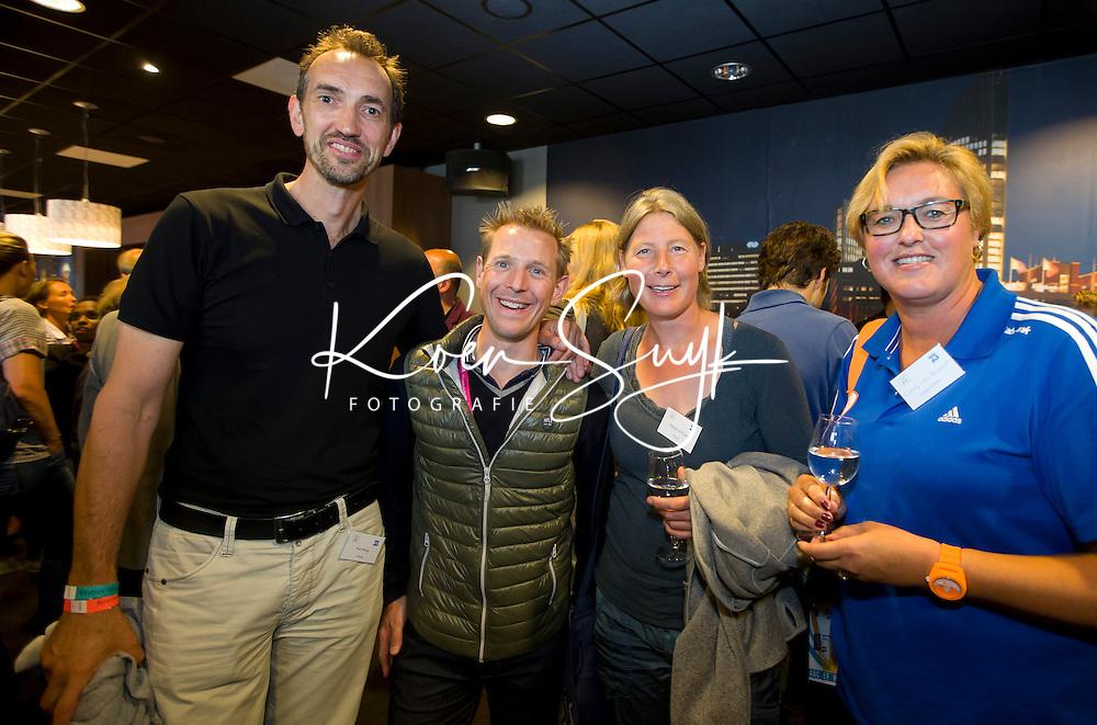 DEN HAAG - Batavieren ontmoeten andere sporters. World Cup Hockey. Wietske de Ruiter ,Peter Blange, Jochem Uytdehaage en Connie van Bentum. COPYRIGHT KOEN SUYK