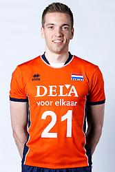 20150506 NED: Selectie Nederlands volleybal team mannen, Arnhem<br />Op Papendal werd het Nederlands team volleybal seizoen 2015-2016 gepresenteerd / Sjoerd Hoogendoorn<br />©2015-FotoHoogendoorn.nl / Pim Waslander