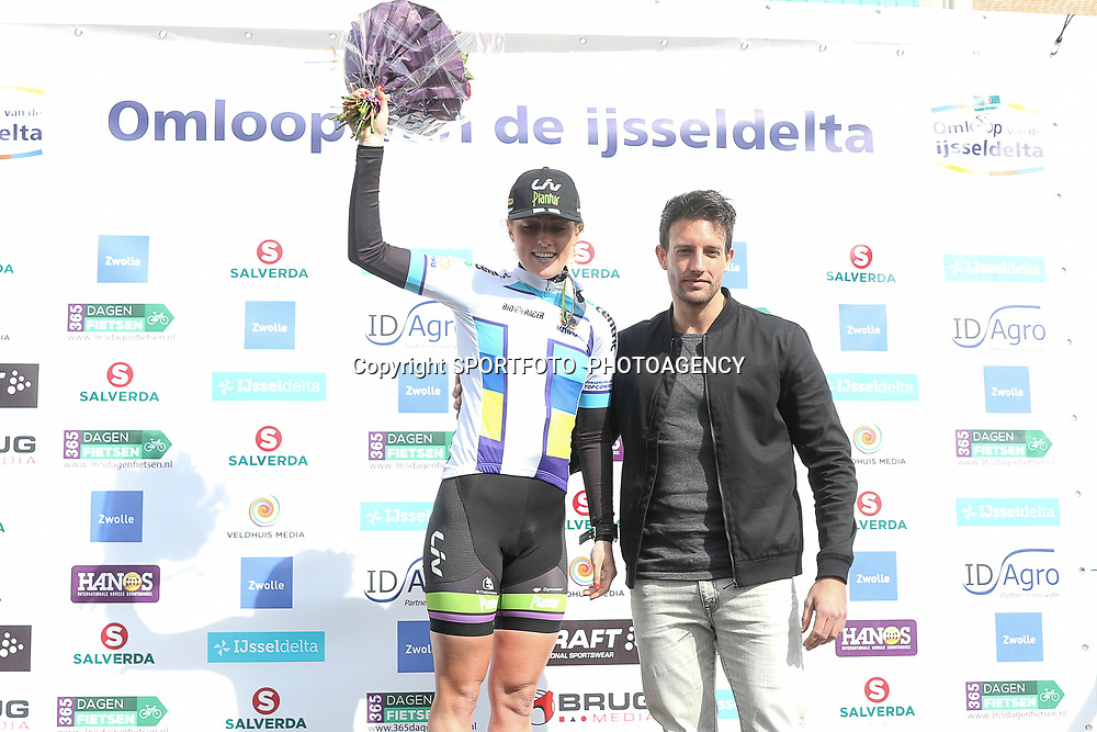 16-04-2016: Wielrennen: IJsseldelta Topcompetitie vrouwen: Zwolle<br />ZWOLLE (NED) wielrennen <br />Floortje Mackay beste jongere topcompetitie