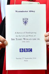 Atmosph‰re  beim Gedenkgottesdienst f¸r Terry Wogan im Westminster Abbey in London / 270916<br /> <br /> ***Memorial service for Terry Wogan at Westminster in London, September 27th, 2016***