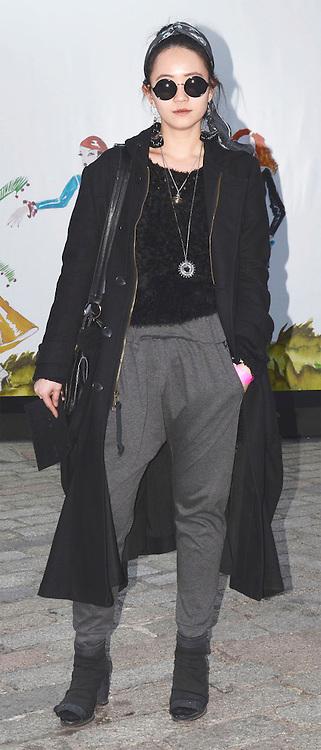 Street fashion at London Fashion Week, February 2013. 19/02/2013 Tabatha Trustam/CatchlightMedia.