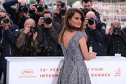 May 18, 2019 - Cannes, Provence-Alpes-Cote d'Azu, France - 72eme Festival International du Film de Cannes. Photocall du film ''Douleur et Gloire''. 72th International Cannes Film Festival. Photocall of ''Dolor y gloria'' movie....239401 2019-05-18 Provence-Alpes-Cote d'Azur Cannes France.. Cruz, Penelope (Credit Image: © Philippe Farjon/Starface via ZUMA Press)
