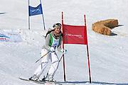 Alina Buchschacher in Aktion. Teilnehmerin beim Renzo's Schneeplausch vom 23. Januar 2016 in Vella, Gemeinde Lumnezia.