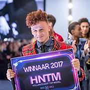 NLD/Amsterdam/20171030 - Holland Next Top Model 2017 finale, winnaar Montell van Leijen