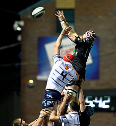 Tim Swinson of Glasgow Warriors claims the lineout<br /> <br /> Photographer Simon King/Replay Images<br /> <br /> Guinness PRO14 Round 15 - Cardiff Blues v Glasgow Warriors - Saturday 16th February 2019 - Cardiff Arms Park - Cardiff<br /> <br /> World Copyright © Replay Images . All rights reserved. info@replayimages.co.uk - http://replayimages.co.uk
