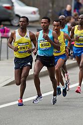 2013 Boston Marathon: elite men led by Geneti, Desisa