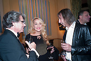 WARWICK HEMSLEY; JERRY HALL; IVOR BRAKA, - Dinner at hosted by Ivor Braka at his home in Chelsea after the opening of Kelley Walker at the Thomas Dane Gallery. London. 13 October 2010. -DO NOT ARCHIVE-© Copyright Photograph by Dafydd Jones. 248 Clapham Rd. London SW9 0PZ. Tel 0207 820 0771. www.dafjones.com.