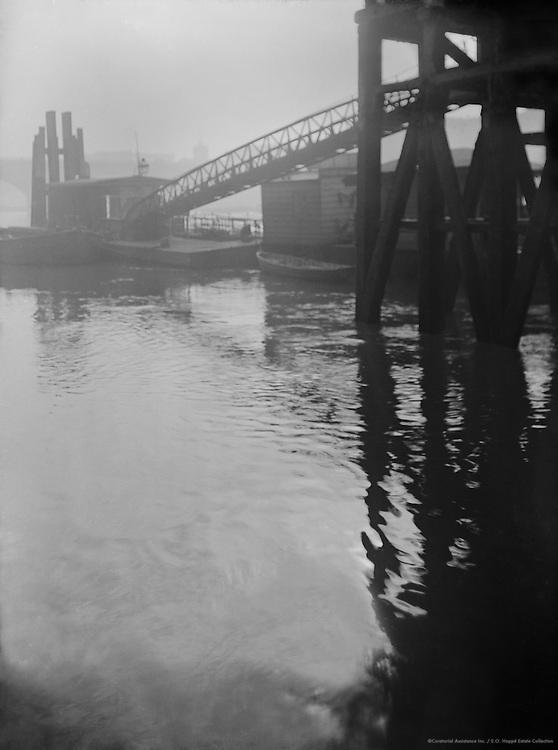 Hungerford Bridge, London, 1916