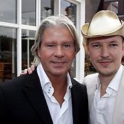 NLD/Eemnes/20081020 - Premiere Dries Roelvink film, aankomst cast, Dries Roelvink en regisseur Tom Six