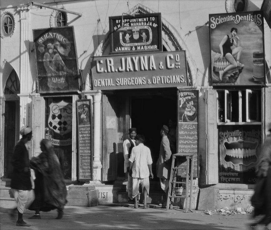 Dentist, Delhi, India, 1929