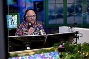 HILVERSUM, 13-12-2020 , Studio 538<br /> <br /> Vandaag start radio 538 met 'Missie 538' voor de voedselbank. Van 14 tot en met 18 december zetten de dj's van 538 alles op alles om zoveel mogelijk mensen te helpen. <br /> <br /> Op de foto: Jelte van der Goot
