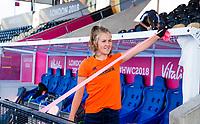 LONDEN - Xan de Waard (Ned)  tijdens de training in het Lee Valley Hockeystadium bij het  wereldkampioenschap hockey voor vrouwen. Het Nederlands elftal maakt zich op voor de kwartfinale .  COPYRIGHT KOEN SUYK