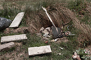 On the outskirts of the house of Joys Estefani Qqueccaño Huamani (24), who disappeared last October 9, are the remains of woods, a mess, some waste and a shovel. The location of her ex-partner and father of her two daughters Arturo Ccana Condori (32) is unknown.