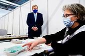 Koning brengt een werkbezoek aan Coronabedrijf GGD regio Utrecht