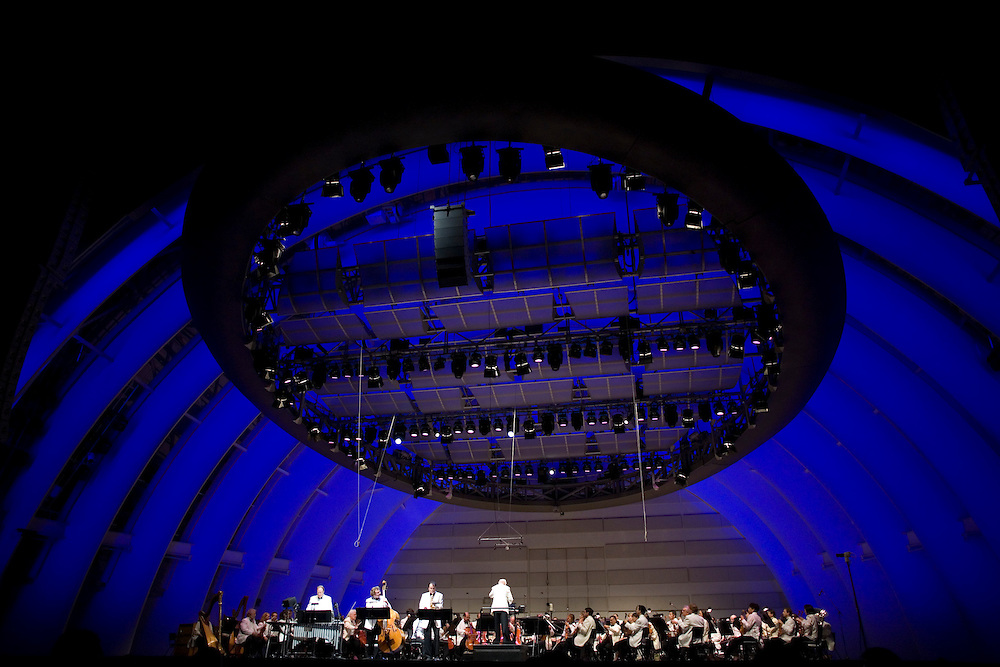 John Williams conducts Jazz Trio Dan Higgins on alto sax, Alan Estes on vibraphone and Mike Valerio on standup bass accompanied by the L.A. Philharmonic Orchestra.