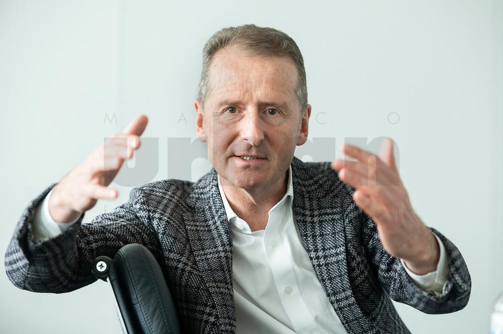 30 MAR 2020, WOLFSBURG/GERMANY:<br /> Herbert Diess, Vorstandsvorsitzender Volkswagen AG, nach einem Interview, VW Konzernzentrale<br /> IMAGE: 20200330-01-061