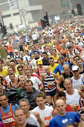 15-10-2006 ATLETIEK: MARATHON AMSTERDAM: AMSTERDAM<br /> Record aantal deelnemers aan de Amsterdamse Marathon<br /> ©2006: WWW.FOTOHOOGENDOORN.NL