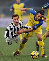 "michele paolucci juve-mario yepes chievo<br /> Verona, 17/01/2010 Stadio ""Bentegodi""<br /> Chievo-Juventus<br /> Campionato Italiano Serie A 2009/2010<br /> Foto Nicolò Zangirolami Insidefoto"