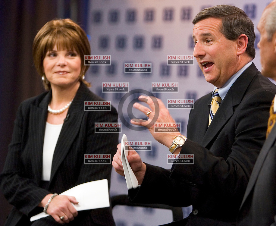 Patricia Dunn , HP non-exect. Chairman with Mark Hurd.  Hurd was named the new CEO of HP.  Hurd met the media at a press conf at HP HQ   Photo by Kim Kulish