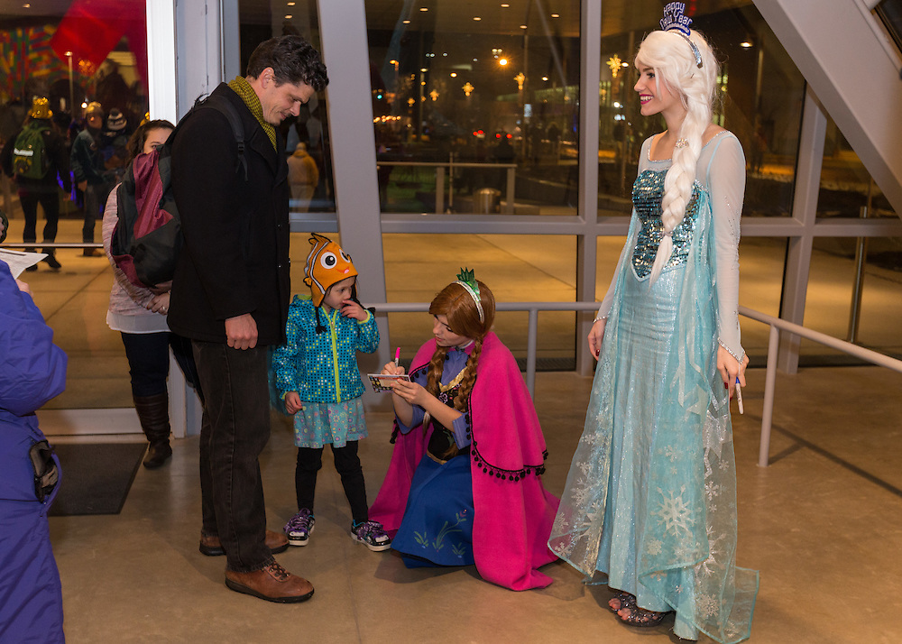 The Snow Sisters made an appearance in the Akron Art Museum at First Night Akron 2017.