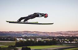29.09.2018, Energie AG Skisprung Arena, Hinzenbach, AUT, FIS Ski Sprung, Sommer Grand Prix, Hinzenbach, im Bild Karl Geiger (GER) // Karl Geiger of Germany during FIS Ski Jumping Summer Grand Prix at the Energie AG Skisprung Arena, Hinzenbach, Austria on 2018/09/29. EXPA Pictures © 2018, PhotoCredit: EXPA/ Stefanie Oberhauser