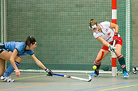 ARNHEM - Lieke van Wijk van MOP.  MOP dames tijdens de eerste dag van de zaalhockey competitie in de hoofdklasse, seizoen 2013/2014. COPYRIGHT KOEN SUYK