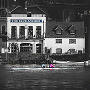 Wintery morning row on the Thames