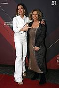 Michaela May (re.) mit Aglaia Szyszkowitz auf dem Roten Teppich anlässlich der Verleihung des 41. Bayerischen Filmpreises 2019 am 17.01.2020 im Prinzregententheater München.