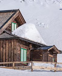 THEMENBILD - Almhütte im Schnee, aufgenommen am 20. April 2018 in Fusch an der Glocknerstrasse, Österreich // Alpine hut in the snow, Fusch an der Glocknerstrasse, Austria on 2018/04/20. EXPA Pictures © 2018, PhotoCredit: EXPA/ JFK