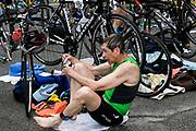 David Dibelius during the T1 swin to  bike transition in the 2018 Hague Endurance Festival Sprint Triathlon